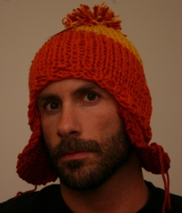 2aa1a32b794 The pattern they gave me said to knit in orange for 4″. When I tried the  one I made on